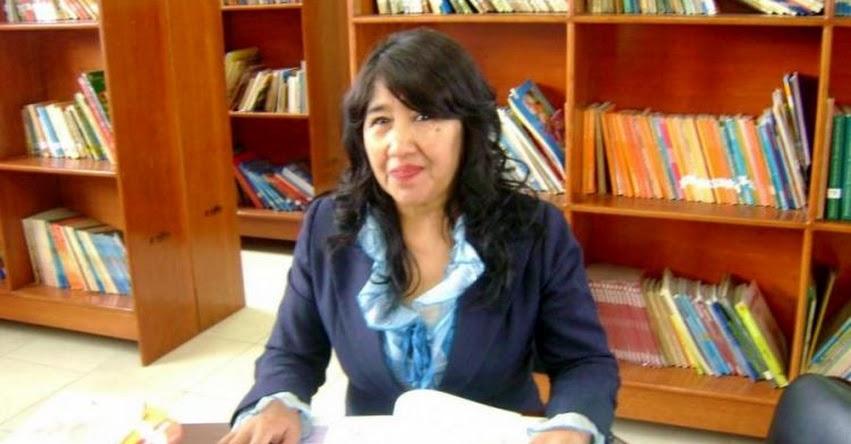 AIDE LUCILA TELLEZ ADUVIRE: Docente de Tacna gana Palmas Magisteriales 2020