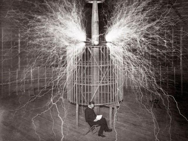 Tesla y la pobreza energética, hace cien años que el científico propuso «abaratar» la electricidad