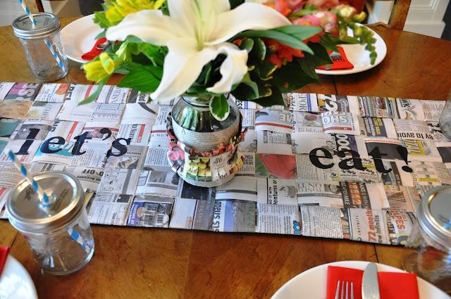Fabricar mantel con trozos de periódico