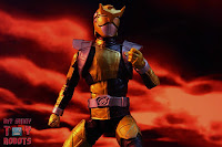 Lightning Collection Beast Morphers Gold Ranger 21