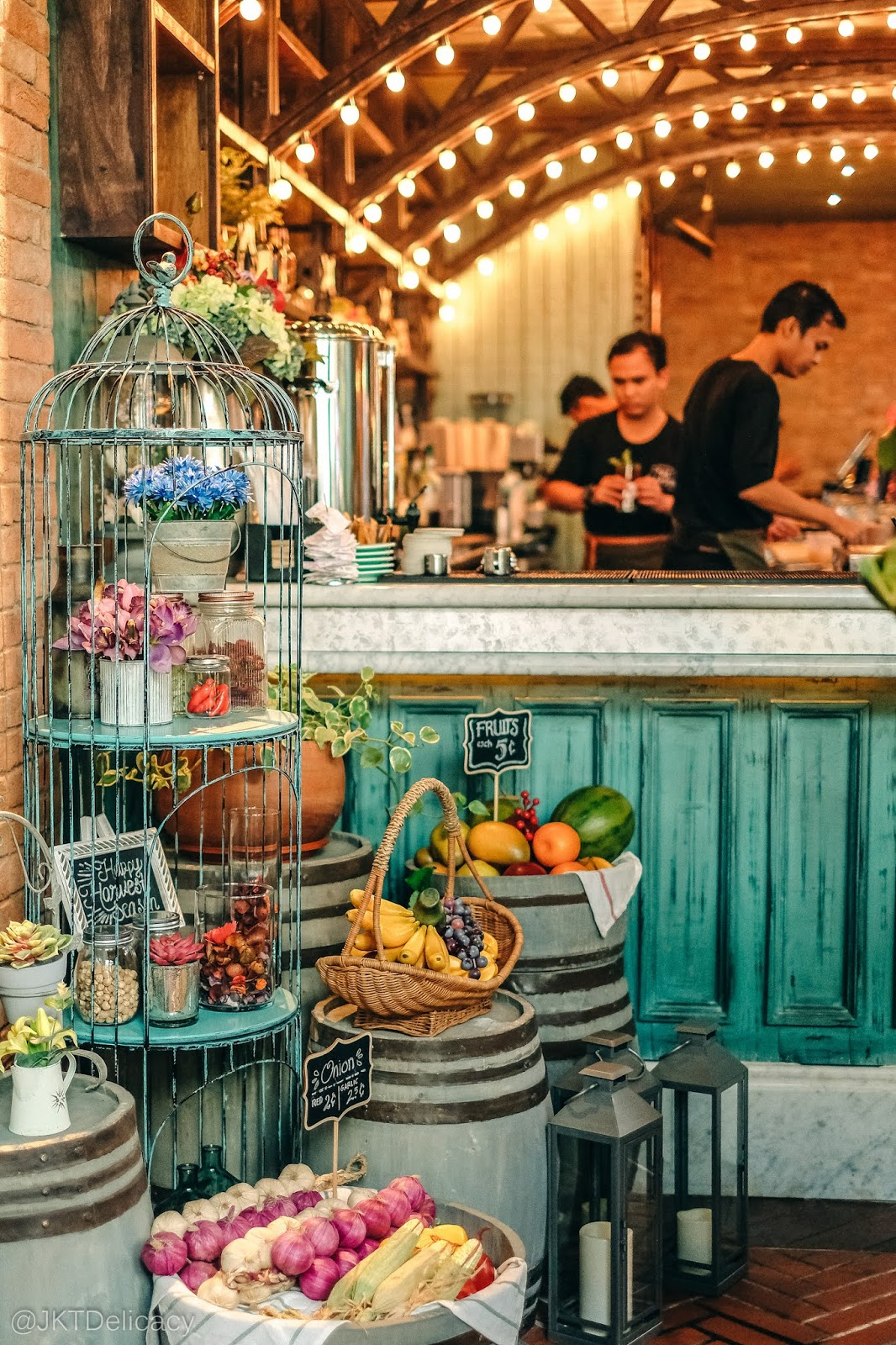 Jktdelicacy Com The Garden Beautiful Garden Theme Cafe At Pik