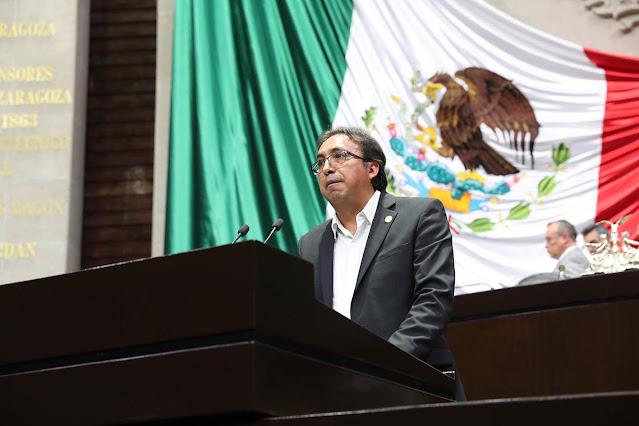 diputado Carlos Carreón Mejía
