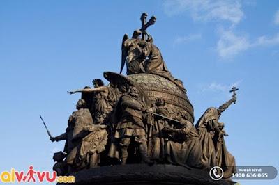 """""""Ngàn năm nước Nga"""" – Tượng đài nổi tiếng nhất nước Nga."""