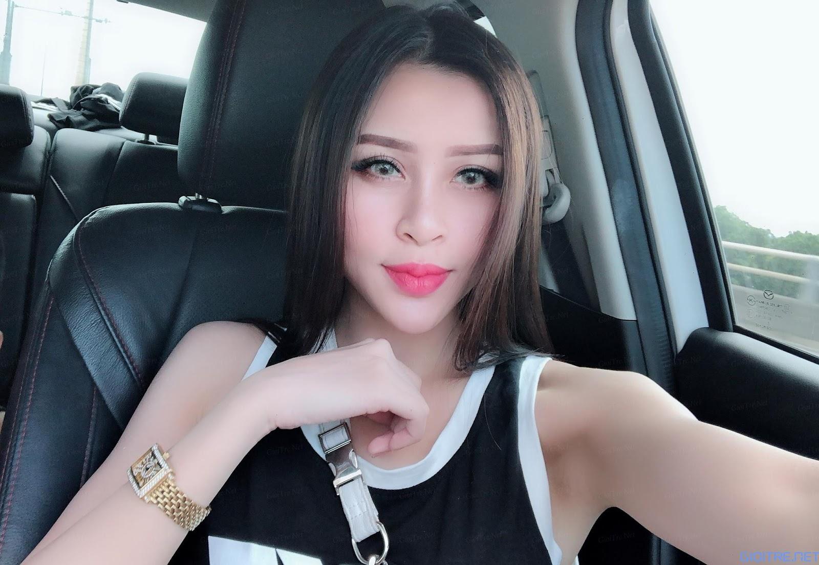 Model Trang Trang | E-CUP
