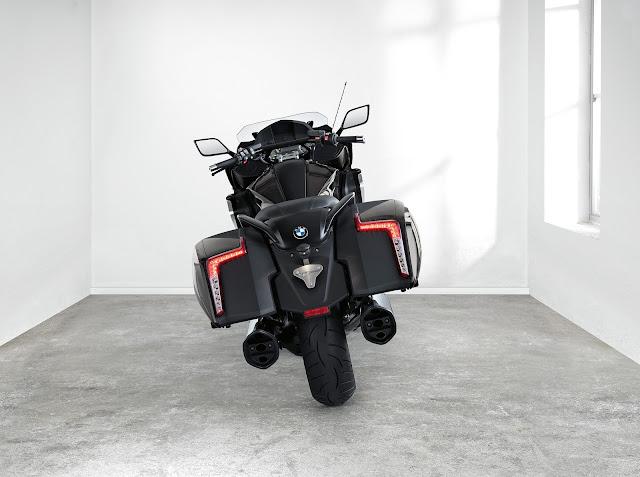 BMW K1600 Bagger 2017 Photo Gallery