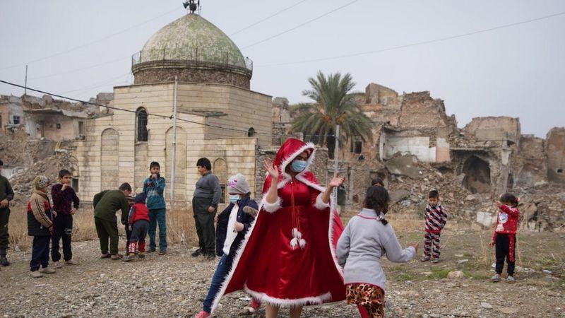 Warga Muslim dan Kristen Irak Gotong Royong Bangun Masjid