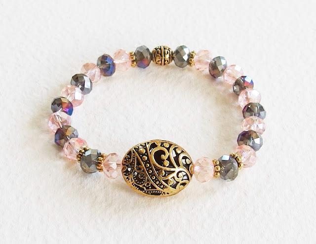 https://www.alittlemarket.com/bracelet/fr_bracelet_shabby_yvonne_de_galais_cristal_swarovski_metal_or_vieilli_cisele_rose_gris_dore_-16853494.html