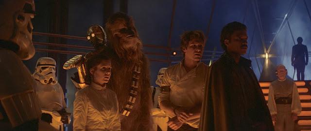 Stormtroopers, Princesa Leia, C-3PO, Chewbacca, Han Solo e Lando Calrissian em O Império Contra-Ataca