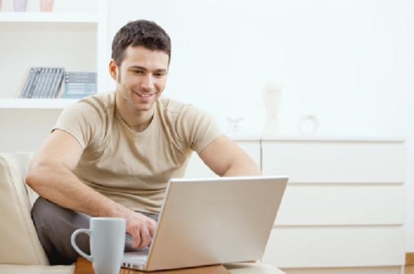 4 THINGS YOU NEED TO MAKE MONEY ON THE INTERNET