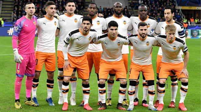 """Cú sốc mùa Covid-19: """"Cựu vương"""" La Liga rao bán cả đội, đại gia chờ """"xâu xé"""""""