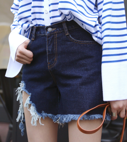 Destroyed Fringe Hem Denim Shorts