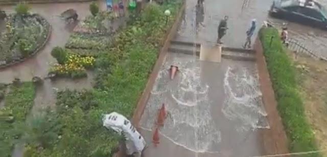 القاهرة تغرق .. امطار غزيرة وسيول تغرق القاهرة