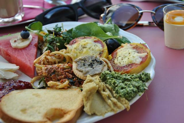 Polenta-Pizza, Leberwurst-Cracker, Zucchini-Spaghetti,....