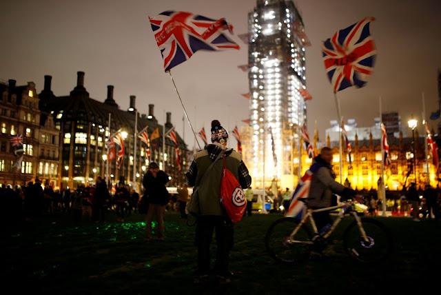 بريطانيا خارج الاتحاد الأوروبي، والطلاق وقع !!
