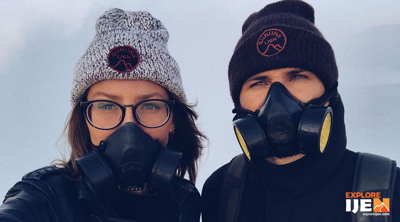 tetap menggunakan masker kesehatan