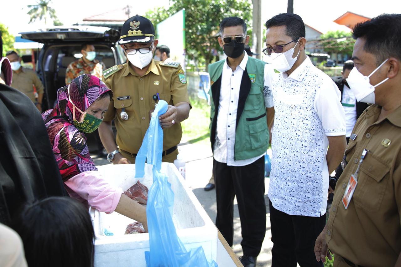 Amsakar Meninjau Pasar Sembako Murah Yang Ditaja Pemko Batam