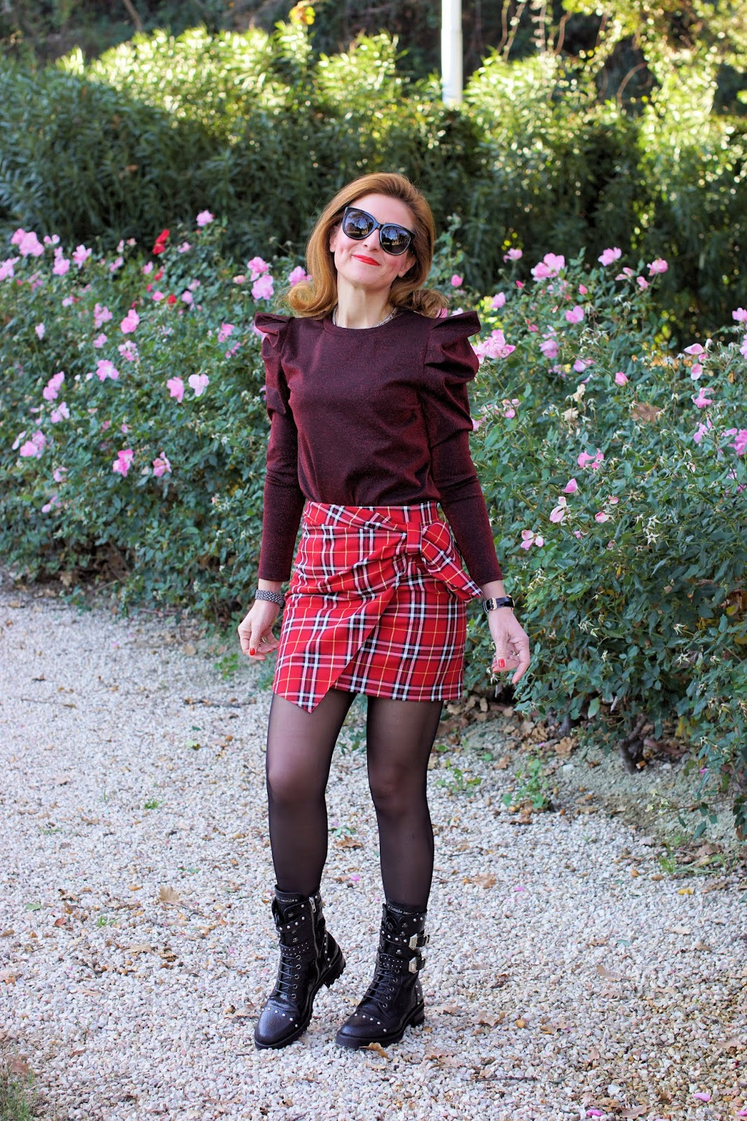 Mini skirt, puffy sleeves top and combat boots on Fashion and Cookies fashion blog, fashion blogger style