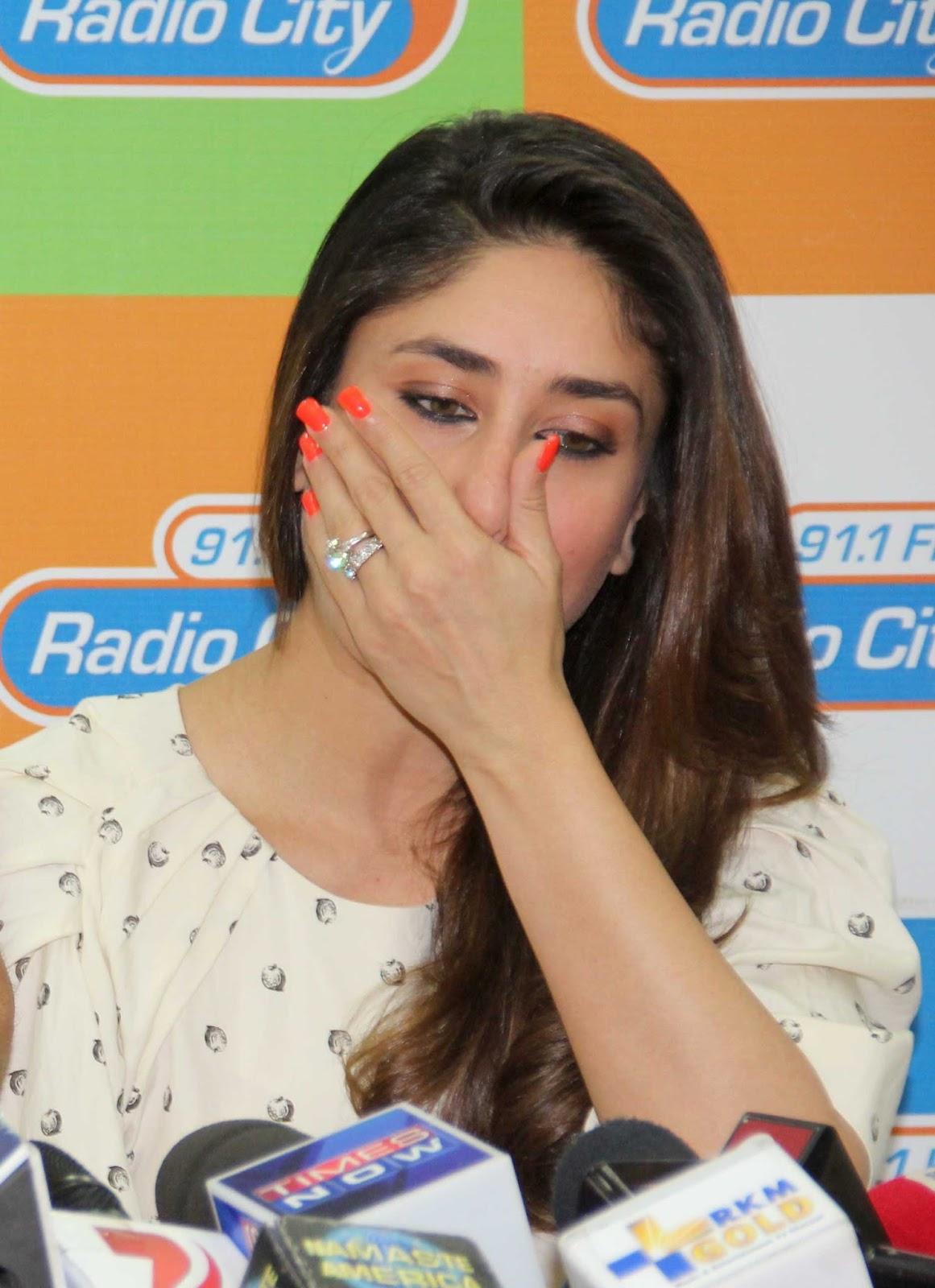 Bollywood Actors Movie Promotion Stills Kareena Kapoor