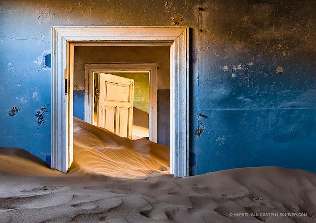 مدينة ميننغ المهجورة حيث الرمال تسيطر على كل شيء، حتى المنازل –نامبيا