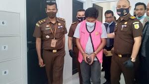 Kejari Pelalawan Tahan Tersangka Korupsi di BUMD-PD Tuah Sekata Pkl Kerinci