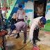 Satbrimob Polda Kalsel Bantu Warga Bersihkan Lumpur Pasca Banjir di Banjarbaru