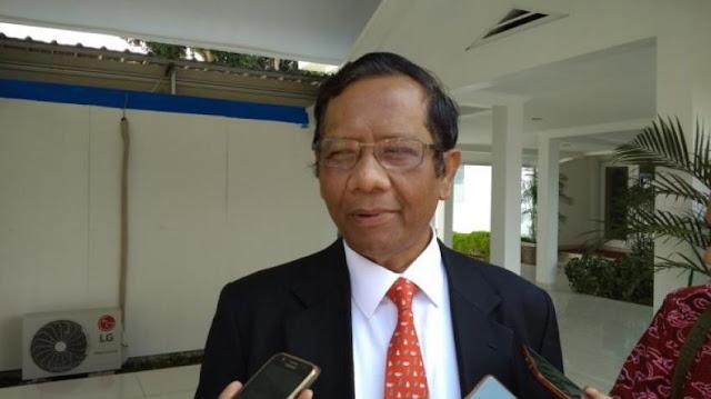 Ketua MK Didesak Mundur, Mahfud MD Ceritakan Kasus Hakim Arsyad Sanusi