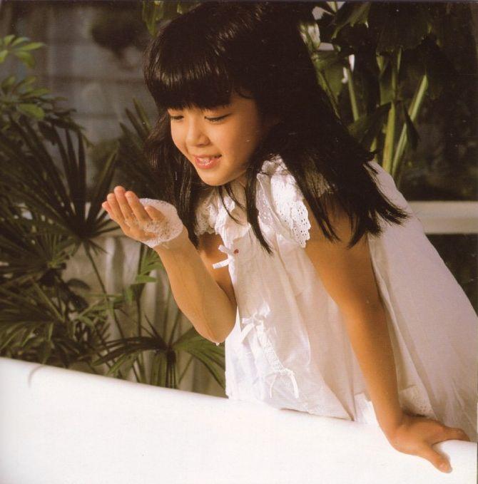 Jav idol miyauchi shiori in one of her first hardcore movies 6