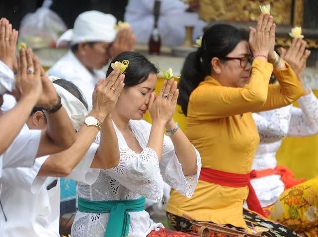 Hindu dengan populasi Hindu besar