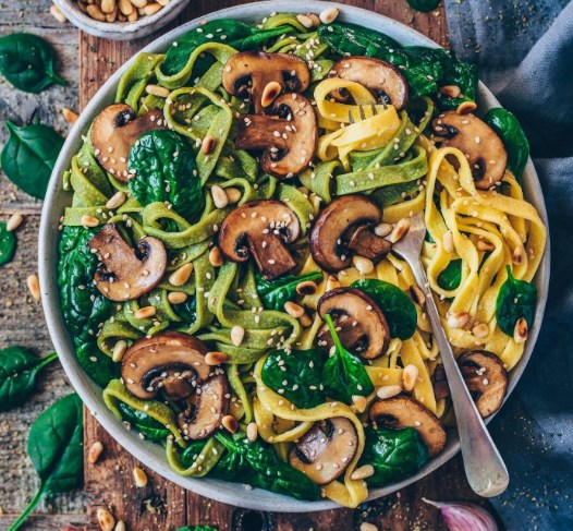 Vegan Mushroom Pasta with Spinach #easyrecipes #vegetarian