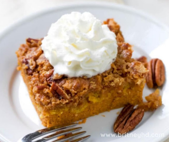 THE BEST PUMPKIN DUMP CAKE RECIPE