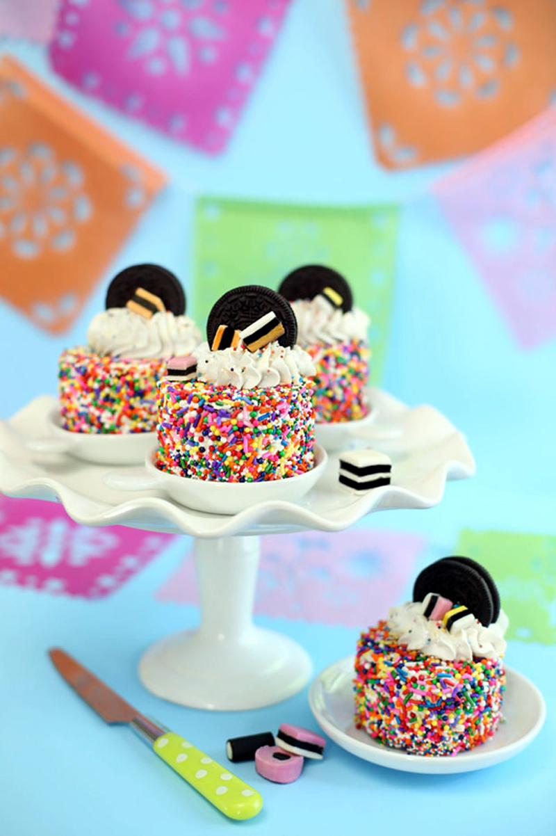 Mini Oreo Sprinkle Cakes