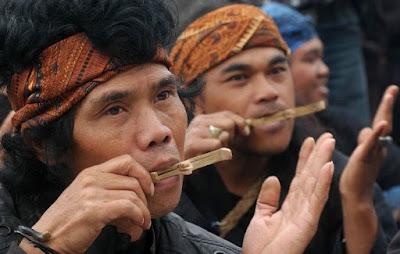 Alat Musik Karinding Sunda