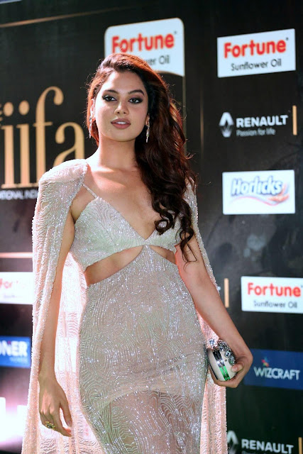 Tanya Hope Super Sexy At The IIFA Utsavam Awards 2017