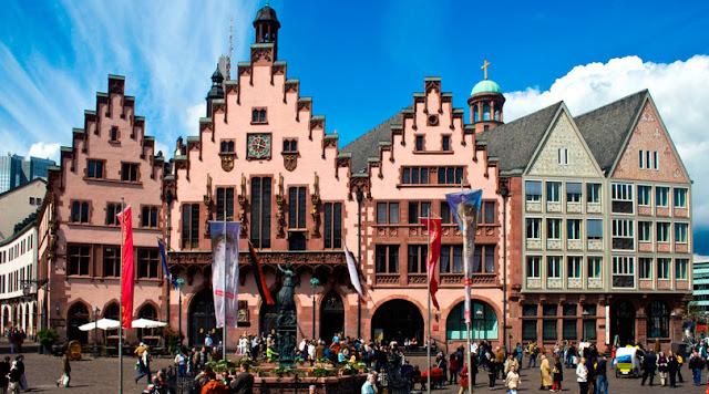 Romerplatz, o coração do Centro Histórico de Frankfurt