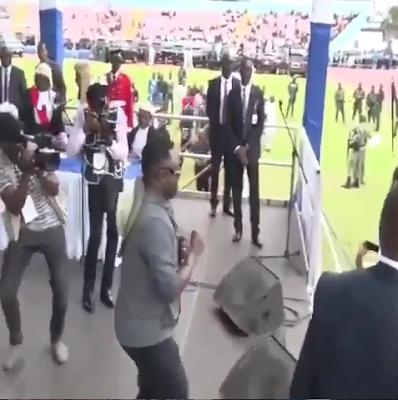 Governor Ben Ayade Dancing 'Shaku Shaku'