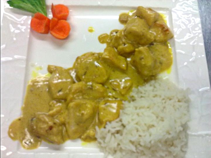 Vinchef pollo al curry con contorno di riso basmati for Cucinare yogurt greco