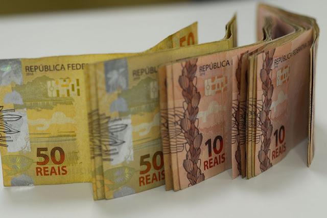 Salário mínimo será de R$ 1.039 em 2020 a partir desta quarta-feira, 01
