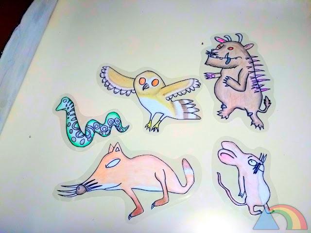 Personajes del libro El Grúfalo dibujados sobre cartulina y plastificados