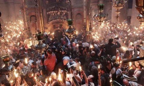 Σε κλίμα κατάνυξης και λαμπρότητας, τελέστηκε στον Ιερό Ναό της Αναστάσεως στα Ιεροσόλυμα η ιερουργία της Αφής του Αγίου Φωτός.