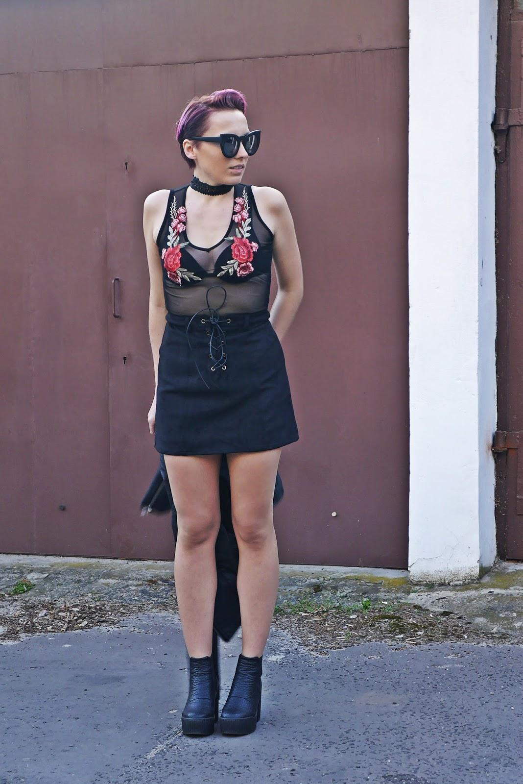 buty_platformy_look_ootd_karyn_czarna_spodnica_naszywki_outfit_ramoneska_180417c