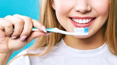 Hari Kesehatan Mulut Sedunia: Apakah menyikat gigi cukup untuk menjaga kebersihan mulut sepenuhnya?