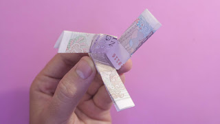 folding money into pinwheel gấp chong chóng bằng tiền giấy