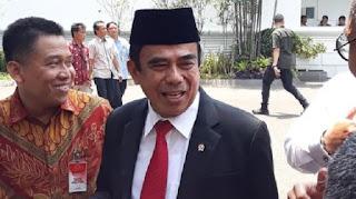 Menteri Agama Serukan Berdoa Pakai Bahasa Indonesia di Masjid