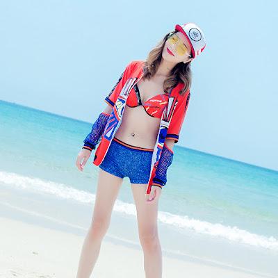 Bikini me con M145