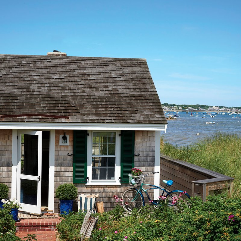 Monday Inspiration | A Small Coastal Cottage That's Big on Style