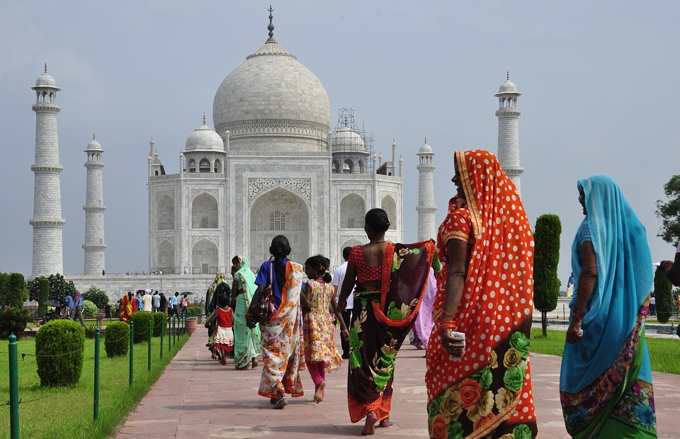 Prospek Ekonomi India Turun Jadi Negatif