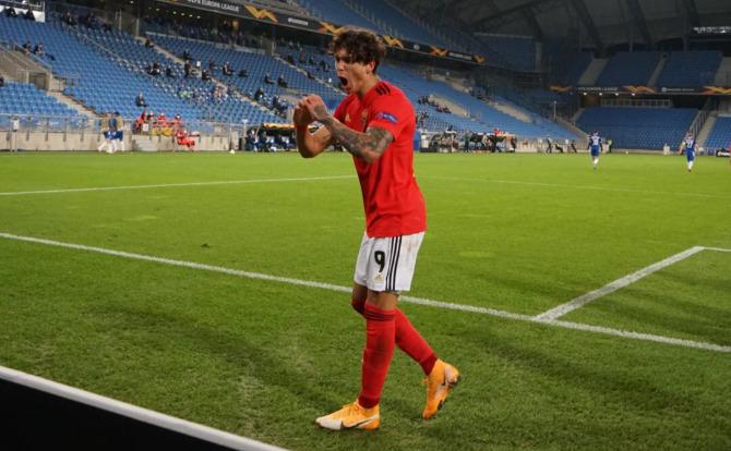 Darwin estreou-se a marcar pelo Benfica