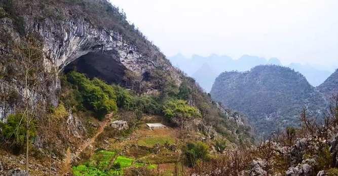 Το χωριό που ζει σε μια σπηλιά!