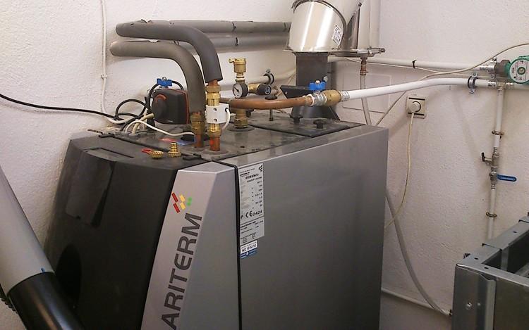 proyecto de vivienda unifamiliar con caldera de biomasa - caldera
