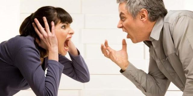 زوجة-تطلب-الطلاق-تذمراً-من-كرم-زوجها..والقاضي-منزلك-ليس-مطعماً.